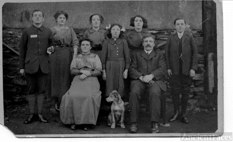 Francis & Ann Stephens Family, England 1910
