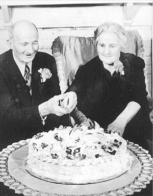 W.Ferney & Maggie (Schad) Davis, 1950