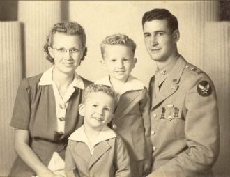 1st Lt. William Glen Cornwell family, 1944