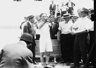 Harry Houdini  1915