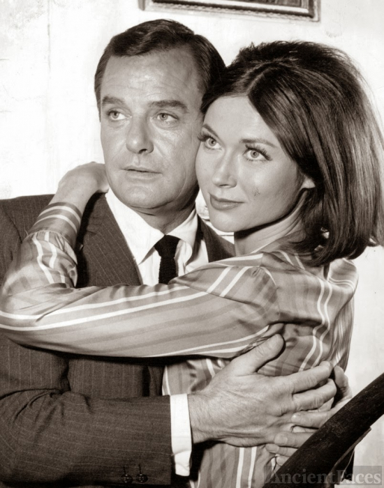 Gig Young and Gia Scala