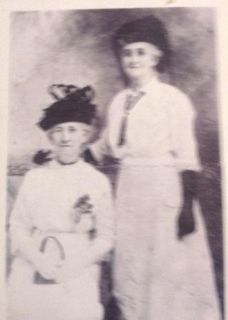 Clara and Dora Williams
