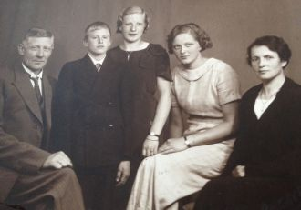 Bjarne Ourom and his family