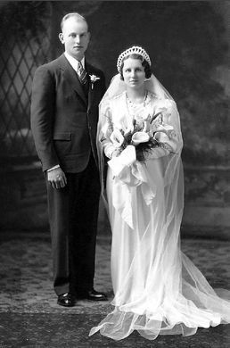 Norbert and Martha (Hengels) Barthel, Minnesota 1937