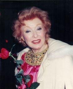 A photo of Greer Garson