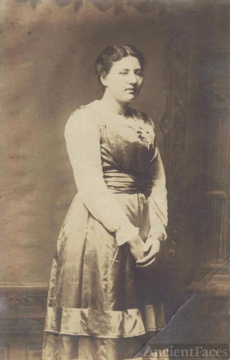 Loretta Adam