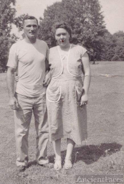 Walter(Pete)& Faye Evelyn(Delong)Rogers