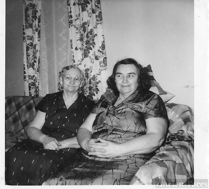 Lillian and Edna Mae Brewster