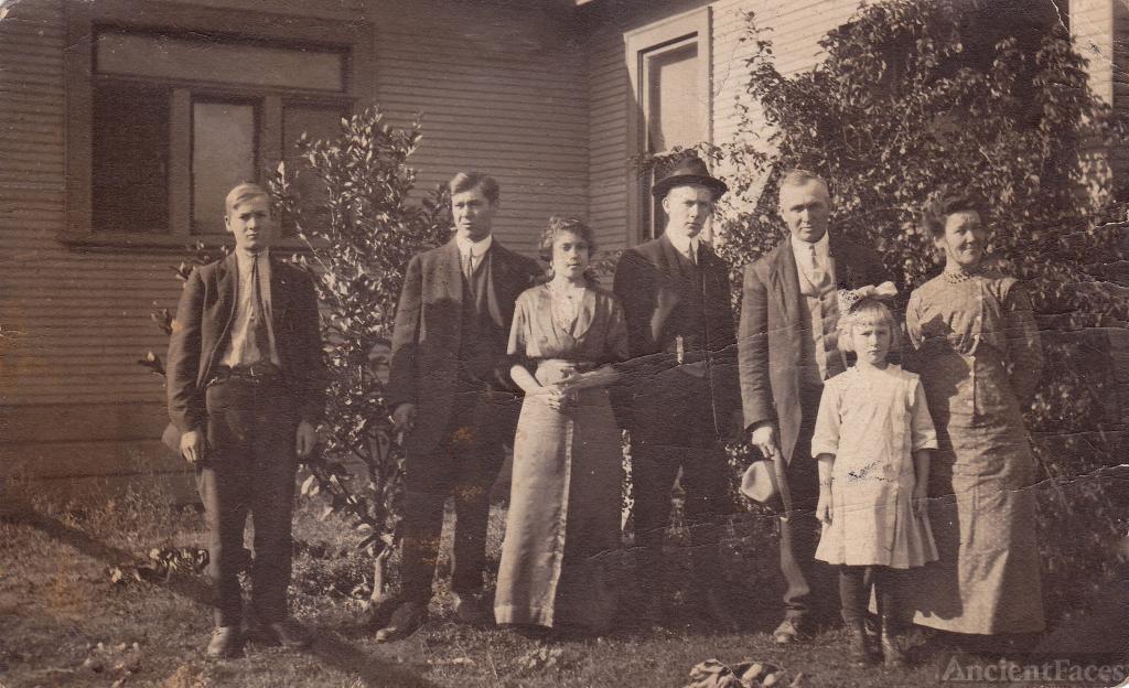 Charles & Clara Dorr Family, CA 1912