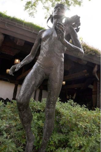 Grete Waitz Statue at Disney World!