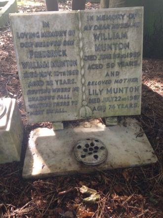 Lily, Fredrick, & William Munton Grave