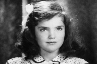 Jacqueline Bouvier, 1935