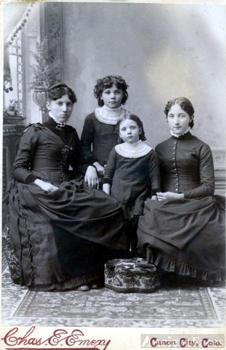 The Locke Girls
