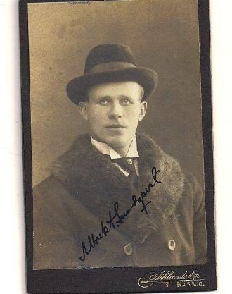 Albrekt Lundquist, Sweden