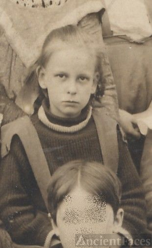 Helen Viele, school girl