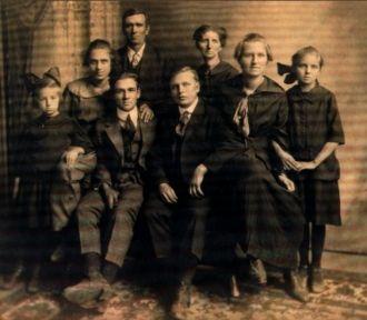 John & Lydia Broadbent Family. Minnesota 1917