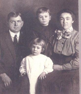 Clark,Edith,Don,Dorothy