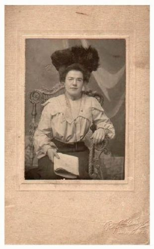 Mystery lady in fluffy hat