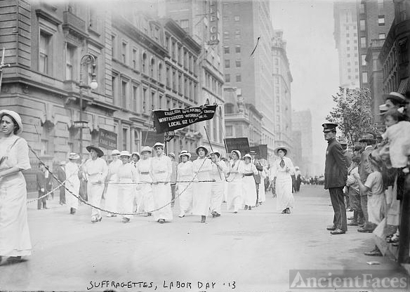 Suffragettes March - Labor Day '13