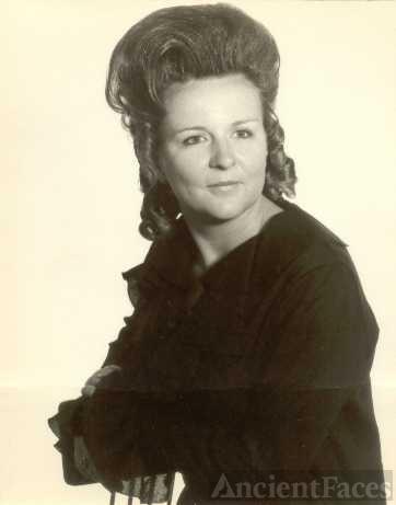 Erdene Louise (Dolan) Davis