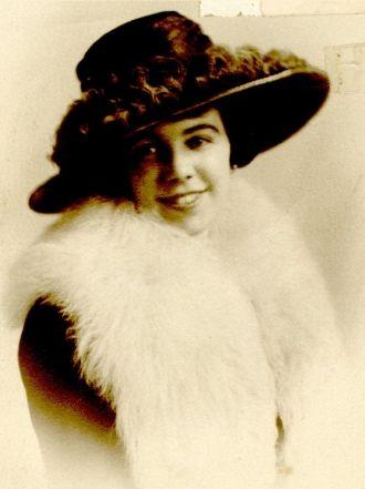 Gladys Evelyn Decker Uppit