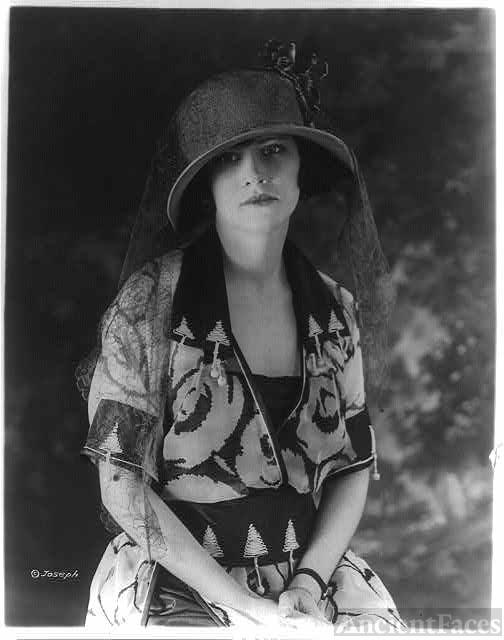 1921 Street Fashion