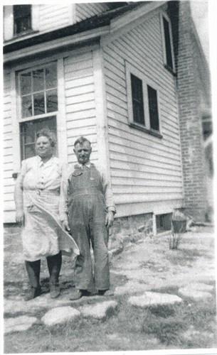 Circa 1910 Etta Clara Wylie Robinson b. 1984 - d. 1954 and Charles Robinson in Illinois