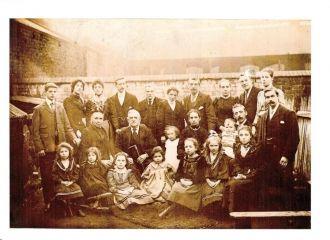 Smart Foley family 1901