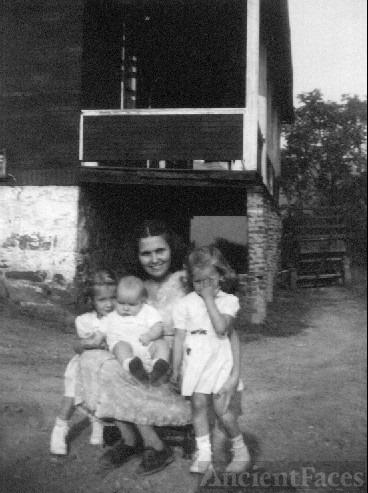 Eliza Mae Lowery Hamilton family