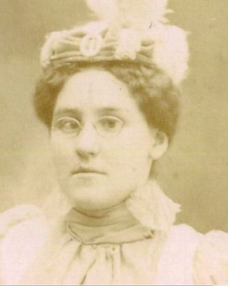 Amanda Viola Dennis