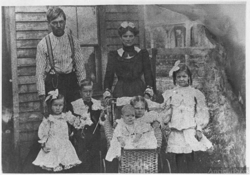 James Homer and Martha Nichols family