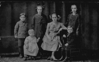 Peter & Lorentena Iverson Family, SD 1920
