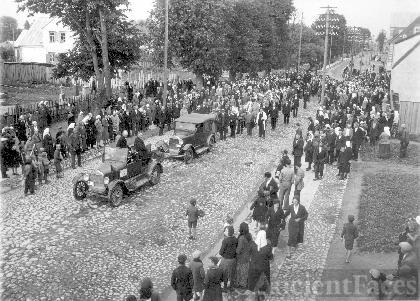 Mayor Krisius Vagneris in Funeral Procession
