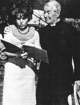 Maurice Auguste Chevalier and Yvonne Constant.