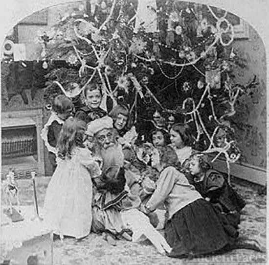 Santa Claus captured by children