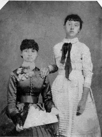 Molly and Mattie Ayres