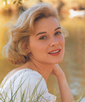 A photo of Hope Lange