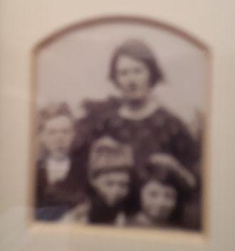 Ellen Smith Cullen & children