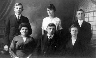 Johnsen Family of Omaha, NE