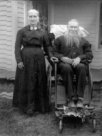 Elizabeth (Beardmore) and Andrew Morris