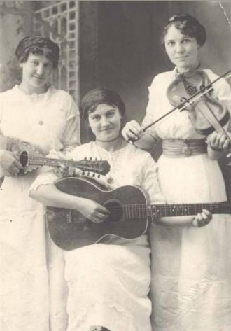 Eva Grace Sheppard and 2 sisters