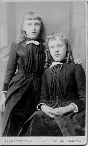Eulie Grace & Edith Annie Dew, 1890