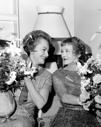 Bette Davis beloved by Olivia deHavilland.
