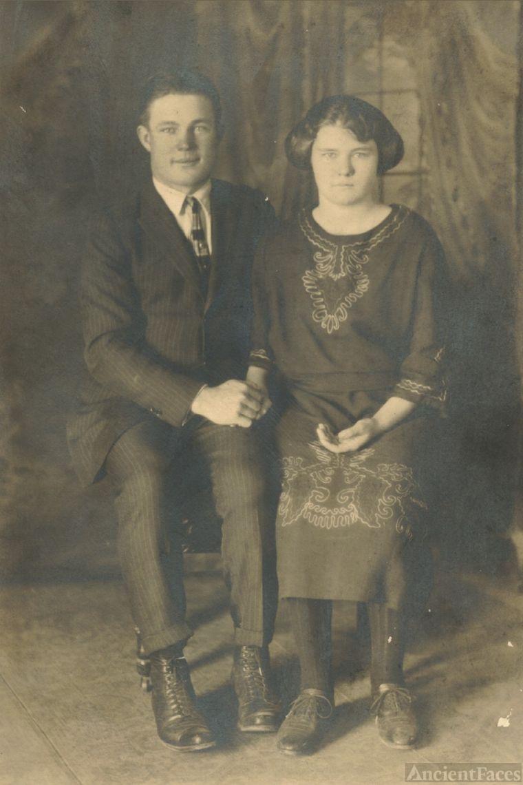 Mark & Mae  Raschke Hoppe