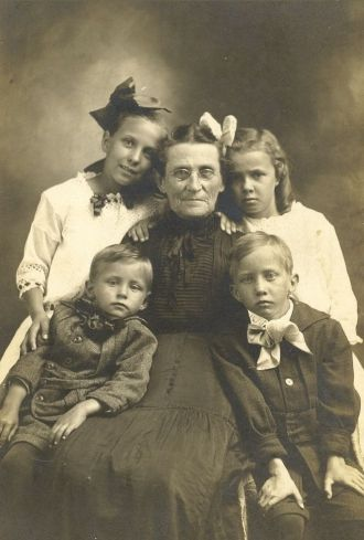 Catherine Dady Long Wheeler and Grandchildren