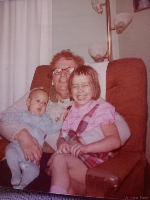Grandma and grandkids in 1960's