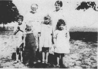 Tommie & Dorrie (?) Cooper with Josie & Ruthie