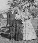 Helen, Woodruff and Priscilla (Casey) Macy Ferris