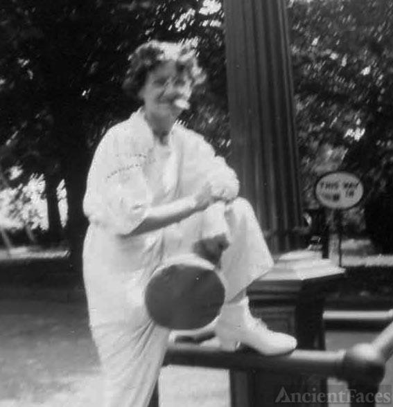 Mae Hartman, 1944 Pennsylvania