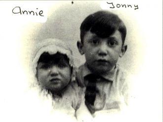 Anna & Jonny Bannett, Netherlands